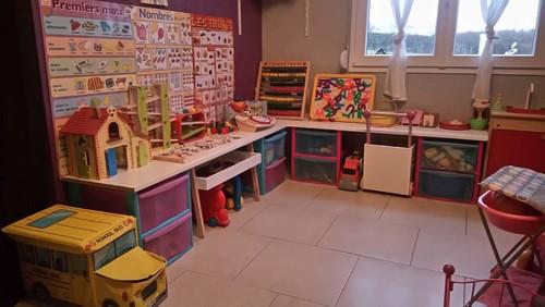 Faire un coin nido dans ma salle de jeux for Creer une maison jeu