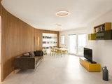 Pro e Cliente su Houzz: Zona Giorno con Parete Curva a Listelli (6 photos) - image  on http://www.designedoo.it