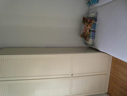 brauche tipps f r meinen kleinen hohen schlafraum. Black Bedroom Furniture Sets. Home Design Ideas