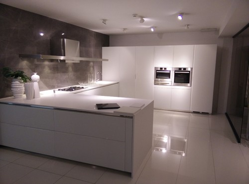 shiny kitchen floors gloss or matte floor tiles 2195