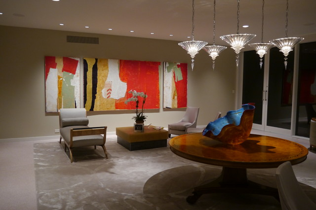 Example of a 1950s living room design in Houston
