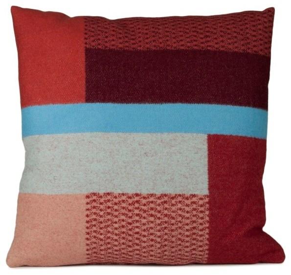 Mikkel Pillow, Red
