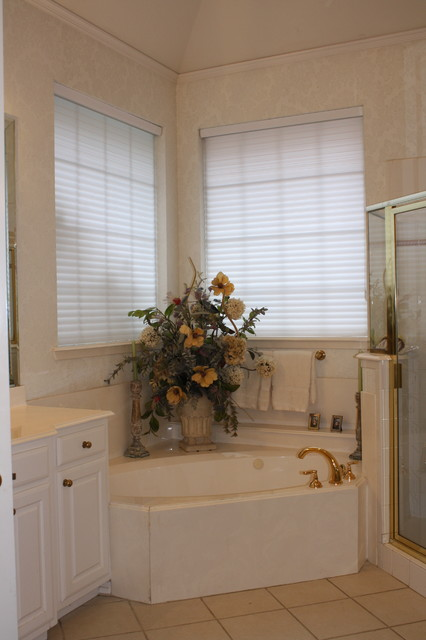 Bathroom Of The Week Timeless Style Updates A 90s Master Bath