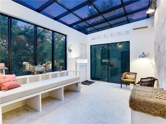 Inspiration for a modern living room remodel in Austin