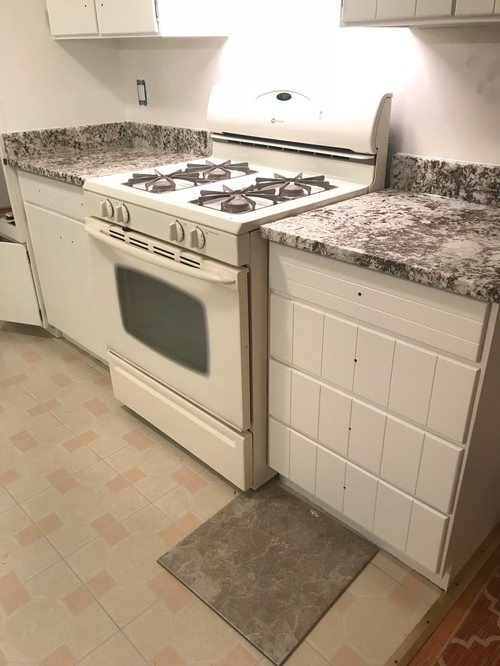 The Kitchen Floor Joins An Orangey Oak Wood Floor....I Am Thinking A Warm  Gray. Has Anyone Purchased A Tile Preferably From Home Depot Or Loweu0027s That  May ...