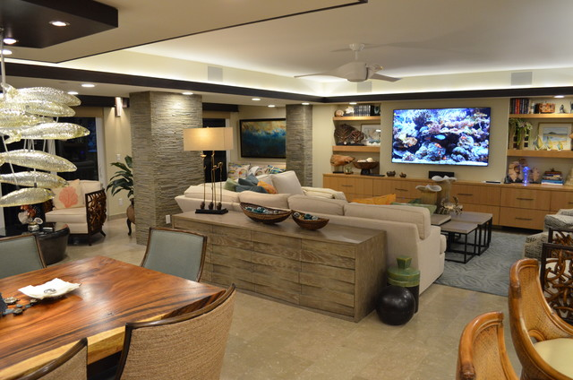 Example of a transitional home design design in Miami