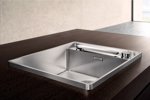 Very cool island sink with retractable faucet