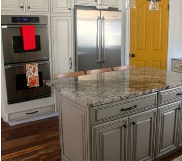 Six sisters stuff diamond kitchen cabinet remodel for Diamond kitchen cabinets