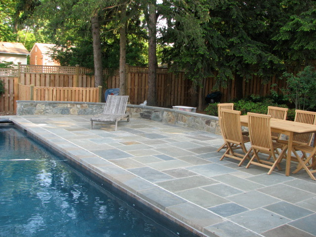 Blue stone patio around pool crunchymustard Flagstone pavers around pool