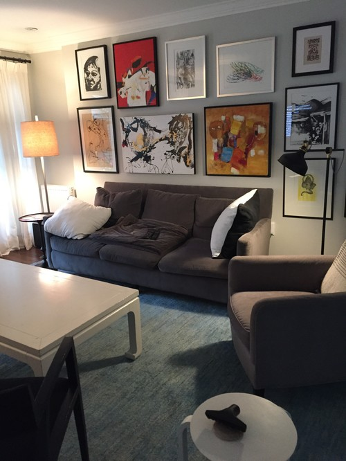 two different floor lamps flanking sofa look stupid - Aus Weier Couch Und Sofa