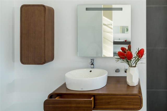 TOTO Melbourne Showroom Basic+ Suite Contemporary Bathroom