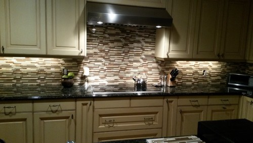 Plain Images Of Kitchen Back Splashes 30 unique and inexpensive diy kitchen backsplash ideas you need to see Im Afraid Its Too Busy Photos Below Are My Before And Afteram I Just Not Used To It After Having A Plain Wall For 5 Years