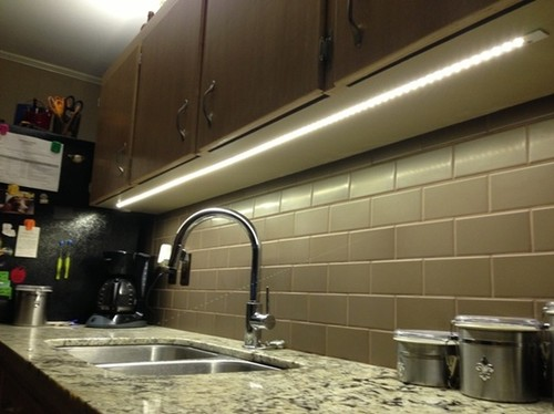 Plug-in Under Cabinet LED Lighting - Hardwired Vs. Plug-in Under Cabinet LED Lighting