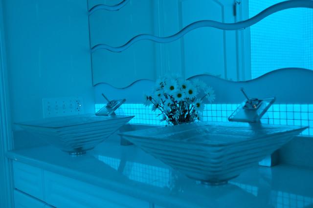 glow in the dark bathroom tiles