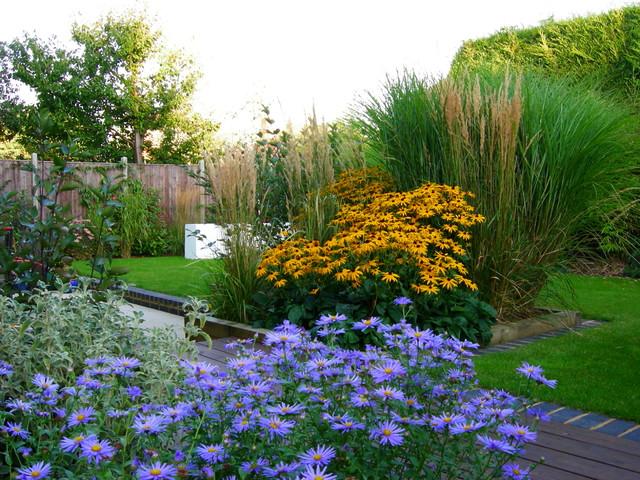 Brown john garden berkshire by dru allan design ltd for Garden house design ltd