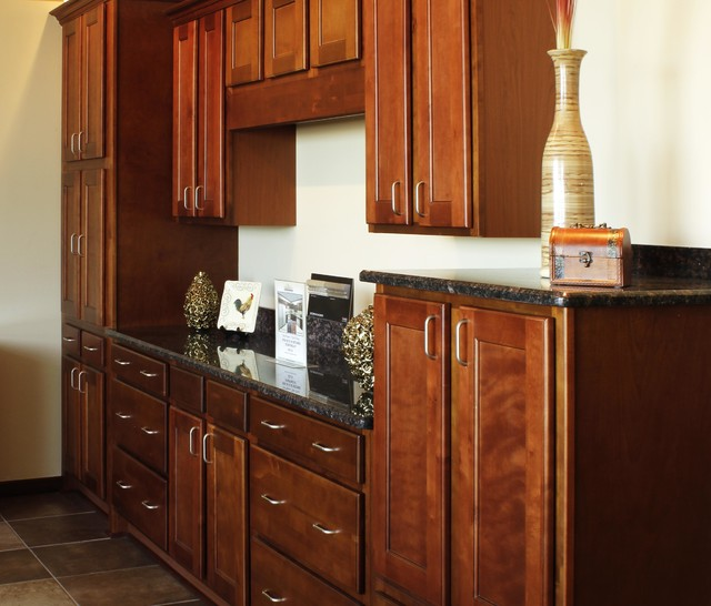 Image gallery nutmeg cabinets for Shea homes design studio