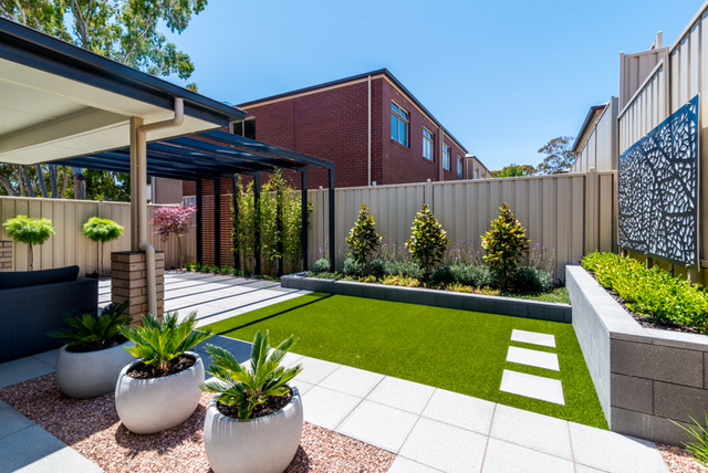 The settlement modern adelaide by enticescapes for Courtyard designs adelaide