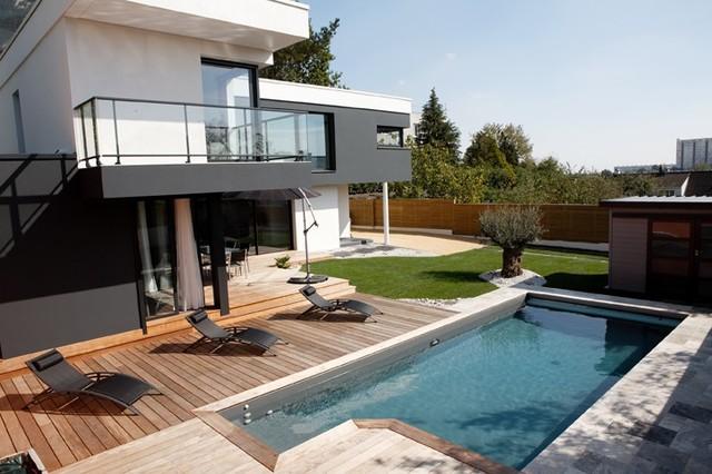 Terrasse ip nantes devant maison contemporaine for Maison contemporaine nantes