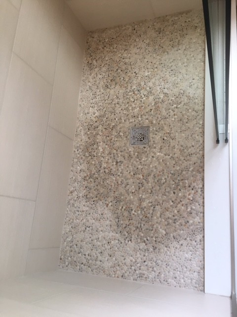 Attirant How Do Seal This Mini Pebble Shower Floor?