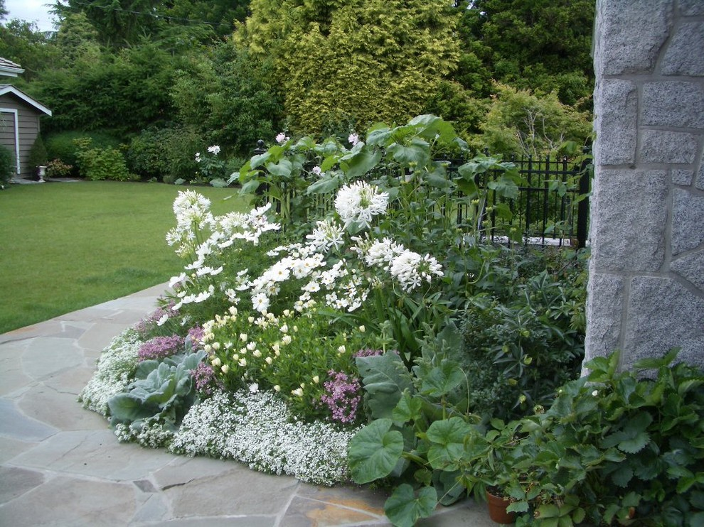 White Garden - Traditional - Vancouver - by Glenna ...