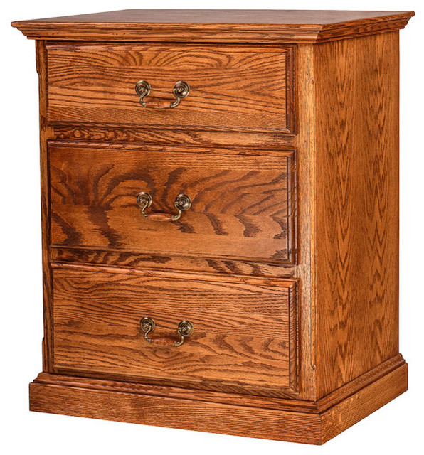 Traditional Oak 3-Drawer Nightstand
