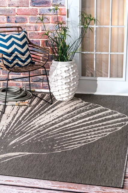 Contemporary Coastal Outdoor Seashell