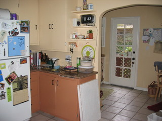 Could you would you rescue this 1930s kitchen for 1930 style kitchen cabinets