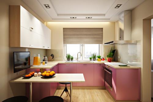 Современная кухня квартиры розовый и бежевый цвета в интерьере и жалюзи на окнах