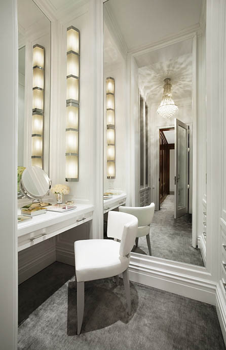 Vanity Mirror With Lights Dressing Room : Dressing Table Inspiration & Lighting Tips Makeup Savvy - makeup and beauty blog