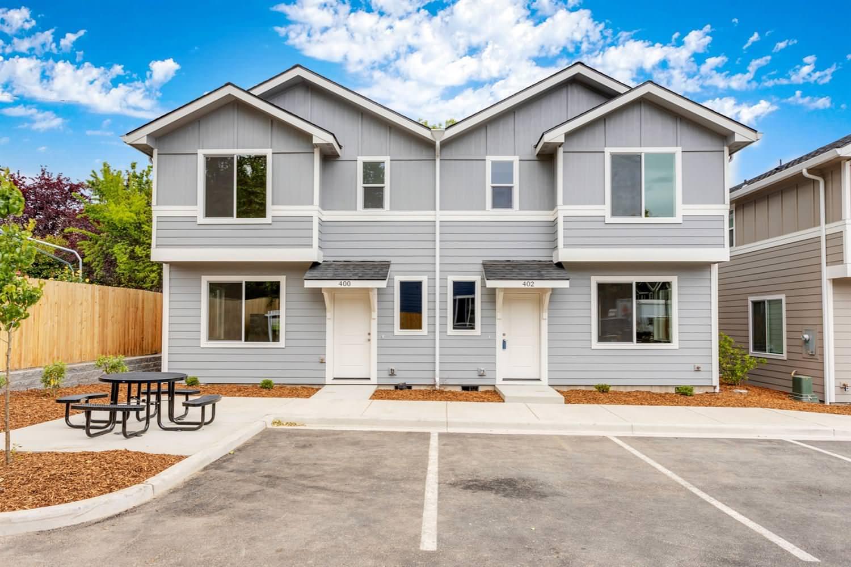 South Main Place - Phoenix Oregon