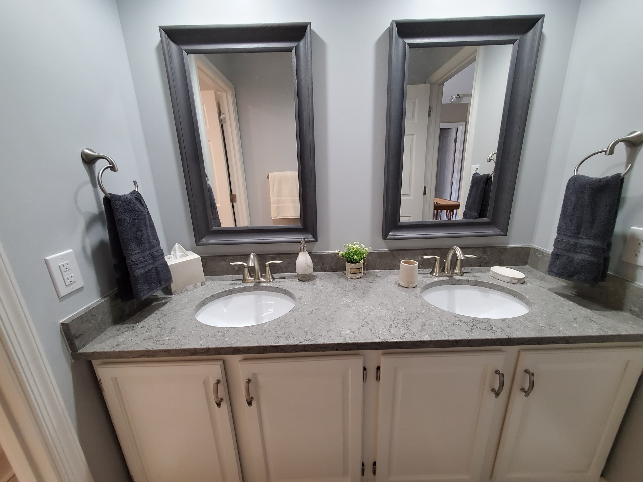 Mohr Master and Hall Bathrooms