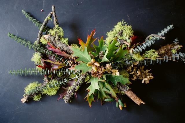 Ein Saisonales Tischgesteck Herbst Und Winterdeko