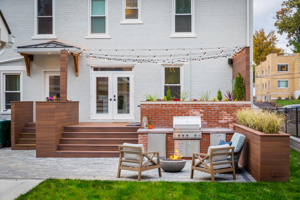 Example of a large transitional patio design in Cincinnati