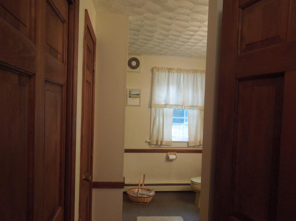Drab bathroom... needs some TLC