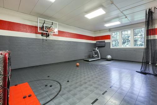 Indoor gym is ideal for kids what ceiling height and