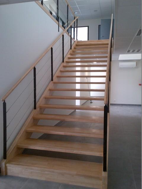 escalier droit fonctionnel et garde corps sur mezzanine passerelle contemporain rennes par. Black Bedroom Furniture Sets. Home Design Ideas