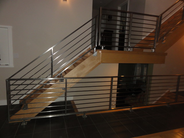 Stainless Steel Horizontal Railings Contemporary