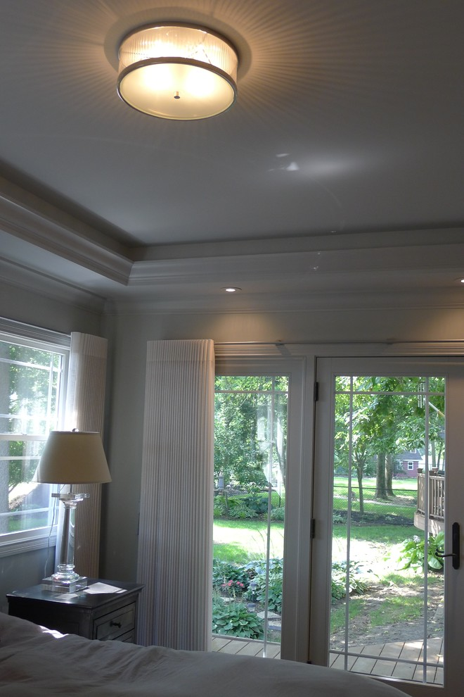 Example of a large transitional home design design in Indianapolis