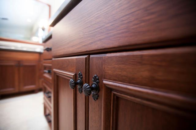 Bathroom sacramento par timberwood custom cabinets for Timberwood custom kitchens