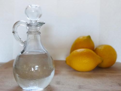 Housekeeping:  Ways to Clean With Vinegar