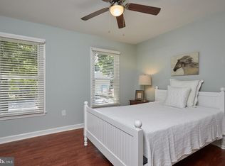 Small Bedroom Opposite Wall
