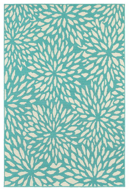 Madelina Floral Blue And Ivory Indoor Or Outdoor Area Rug, 6&x27;7x9&x27;6.