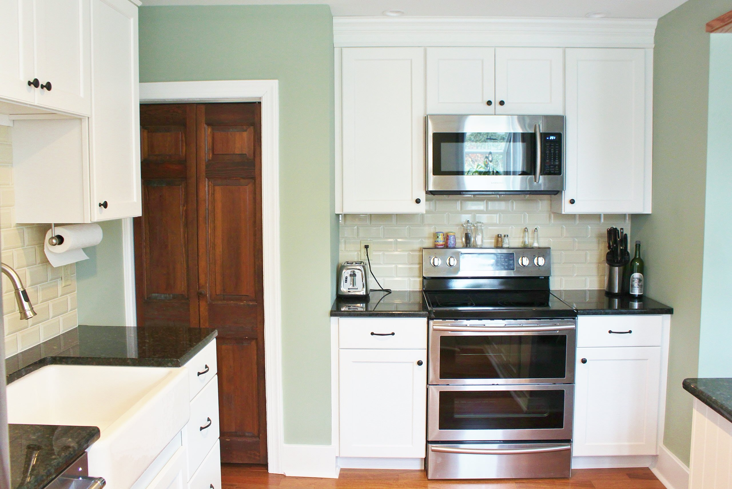 L Traditional Kitchen