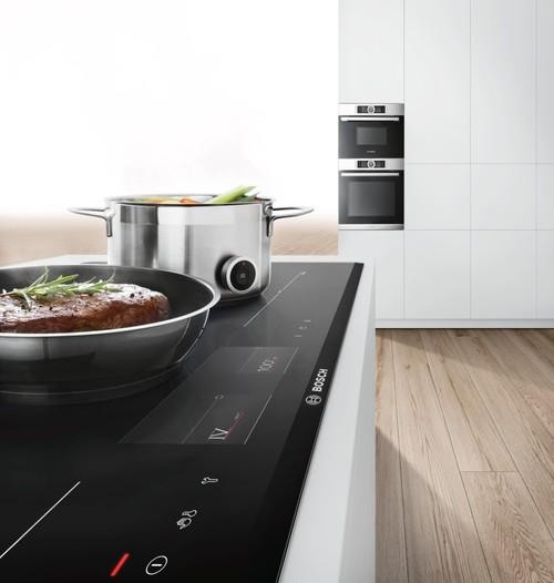 """""""Serie 8 Kochfelder"""" von Bosch mit TFT-Touchdisplay"""