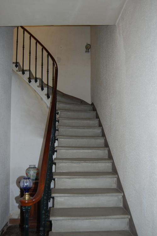 Id e de couleur pour une mont e d 39 escaliers - Quelle couleur pour une cage d escalier sombre ...