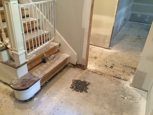 - Help Asap With What Direction To Lay Wood Floor?!!