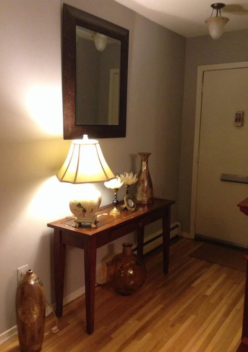 in need of help decoration foyer and living room at my new apartment