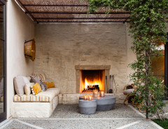 8 Toasty Outdoor Seating Areas Have Us Ready for Fall