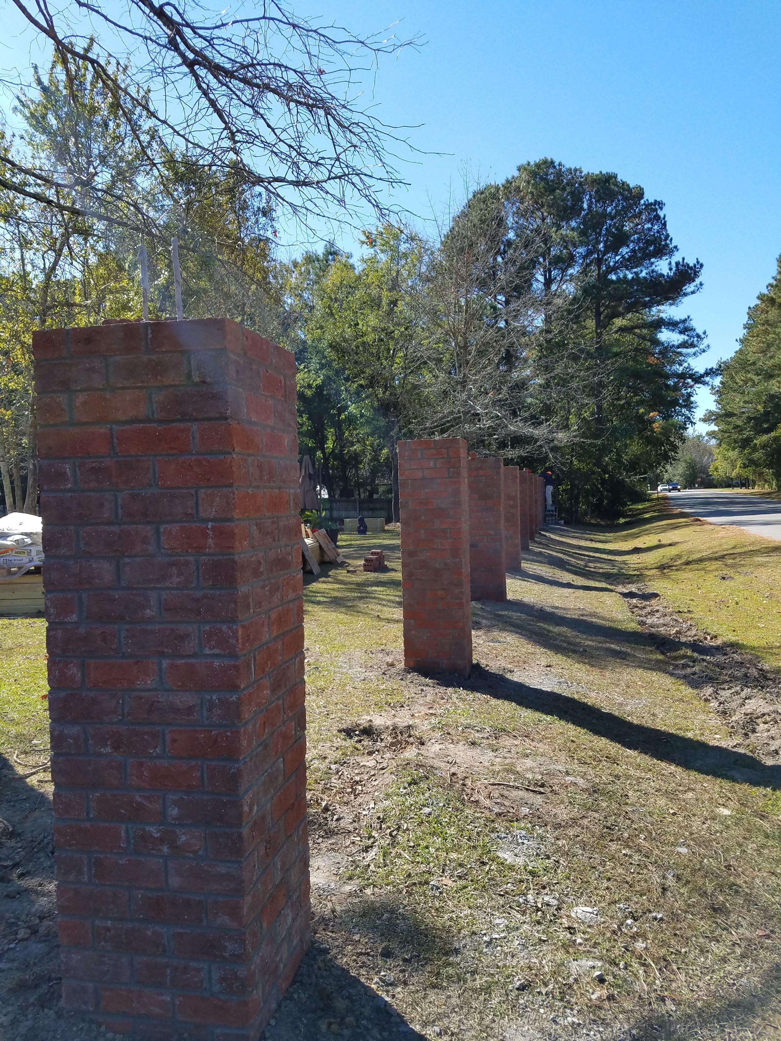 Fence/Walls/Pillars