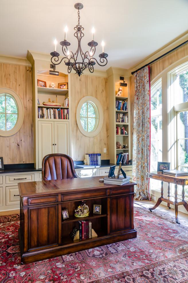 Country home design photo in Miami